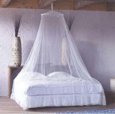 Závěsy nad postel